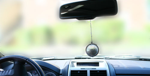 DIY: Instant car air freshener with tea leaves