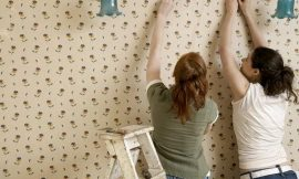 3 Super-Easy Solutions To Remove That Hard-To-Peel And Old Wallpaper