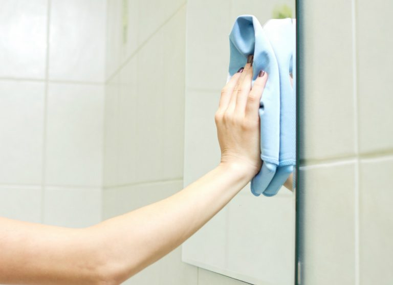 How To Stop Bathroom Mirror Steaming Up For 7 Days In A Row