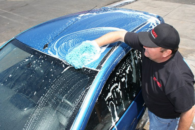 10 Powerful Cleaning Hacks To Clean The Car From Inside-Out