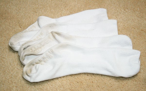 Extremely Effective Method To Whiten Dirty Socks Without Bleach