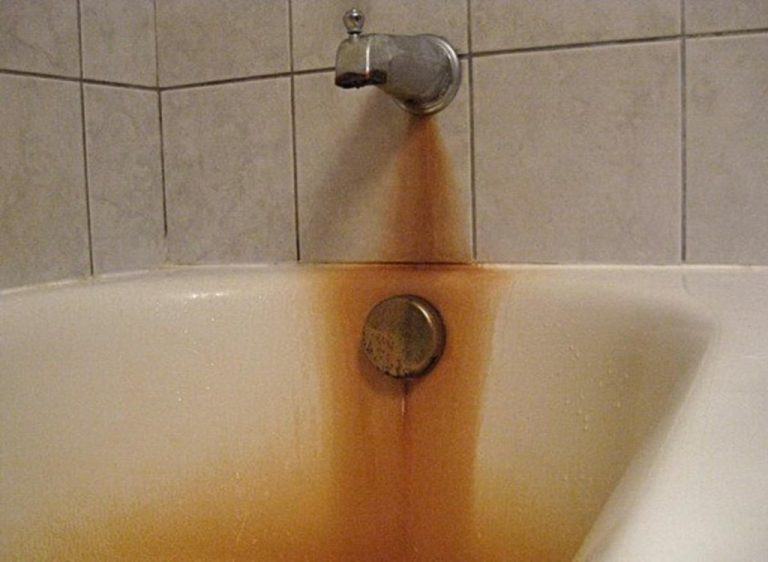 Fast And Non-Toxic Way To Remove Rust Stains Out Of Acrylic Bathtub